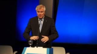 """24.10.12 – Eröffnungsrede des Bayerischen Ministerpräsident Horst Seehofer – """"Mehr Freiheit, weniger Hürde"""" (Medientage München 2012)"""